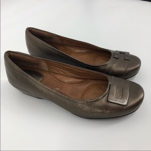 Clark's Artisan bronze concert choir wedges
